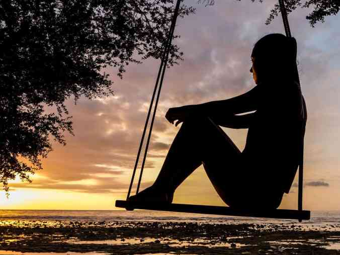 backlit-beach-imagine-your-thoughts
